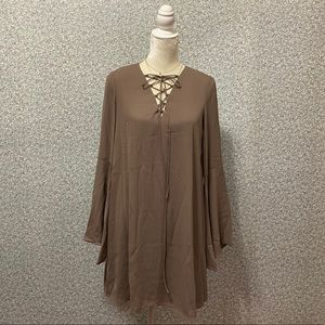❤️Soprano Tan V-Neck Long Sleeve Dress Size S❤️